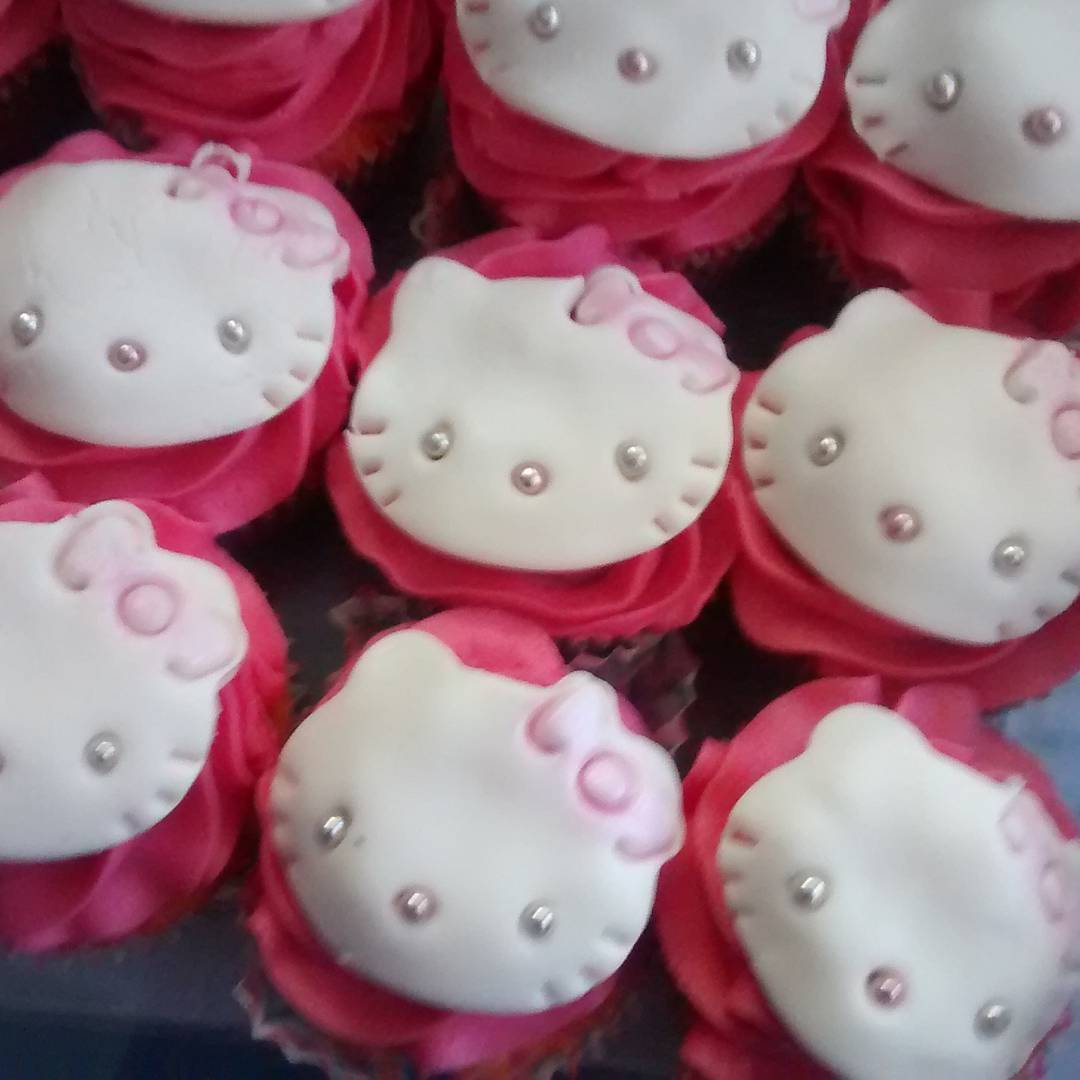 Cupcakes! hellokitty