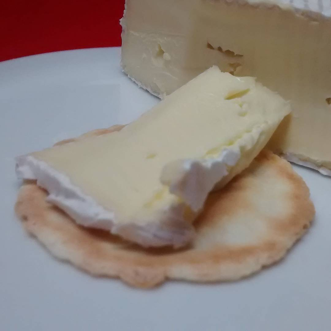 Mmm Hunter Belle Cheese Brie Shortdated so only 3 insteadhellip