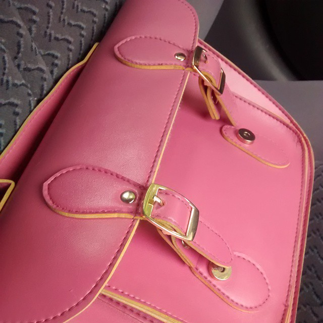 My current hand bag #pink #shakecreative