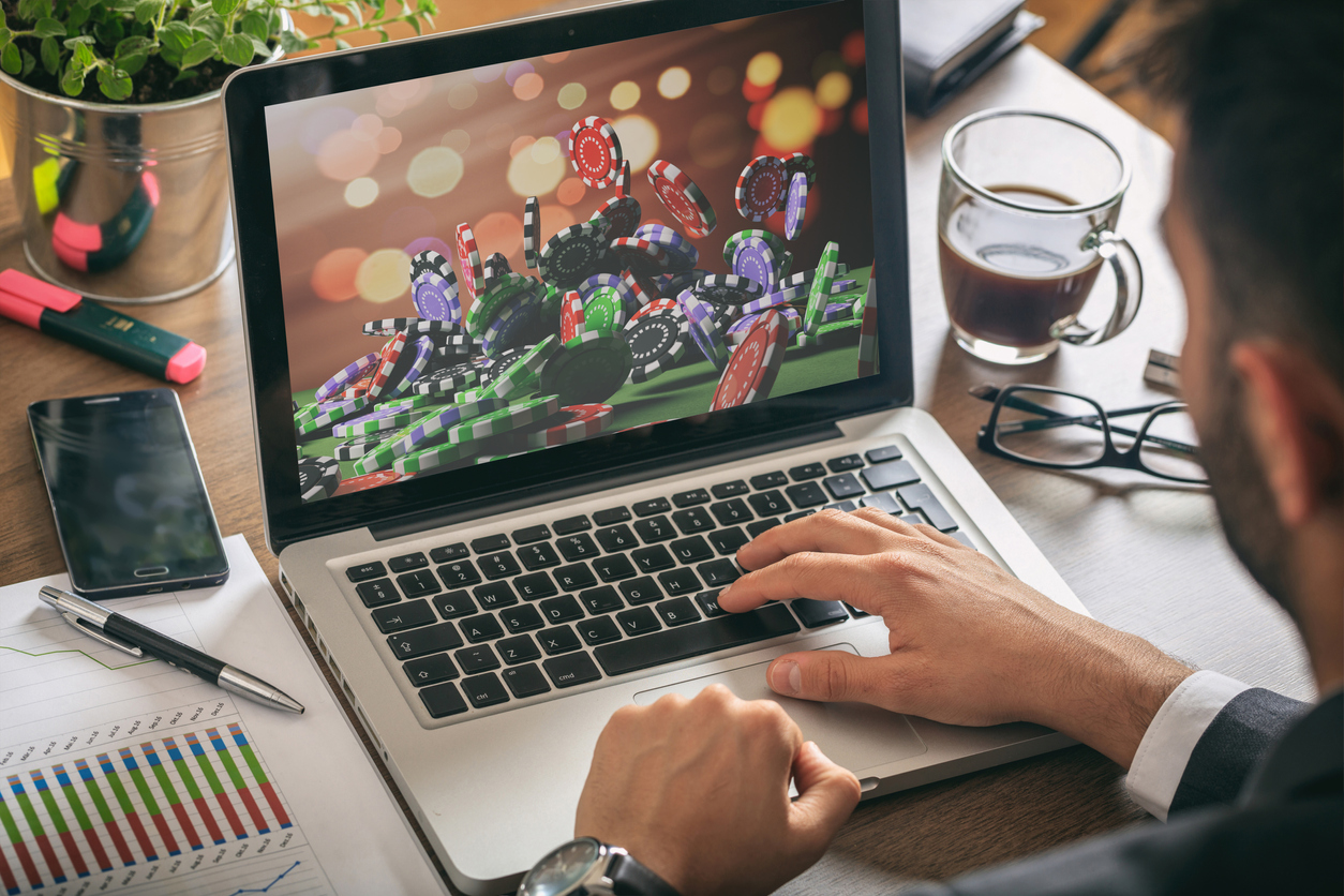 Can I Really Make Money By Gambling Online? ~ littlelioness
